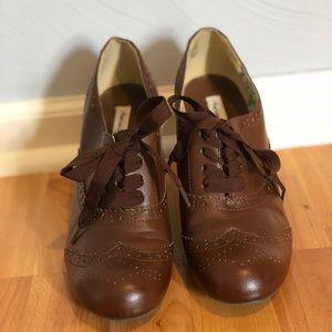 Brown leather oxford heels
